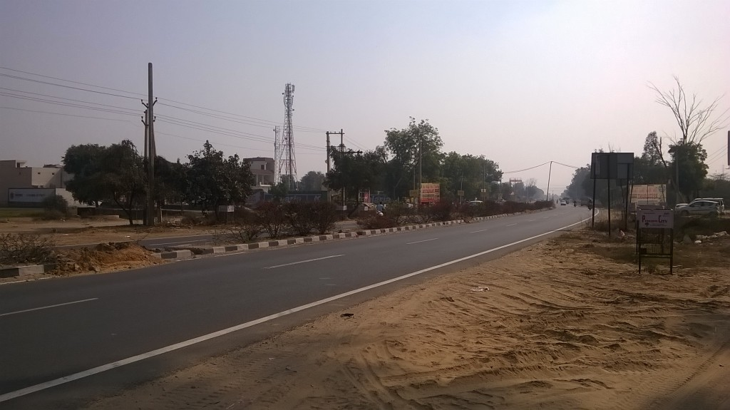 Road in front of Eldeco Accolade project